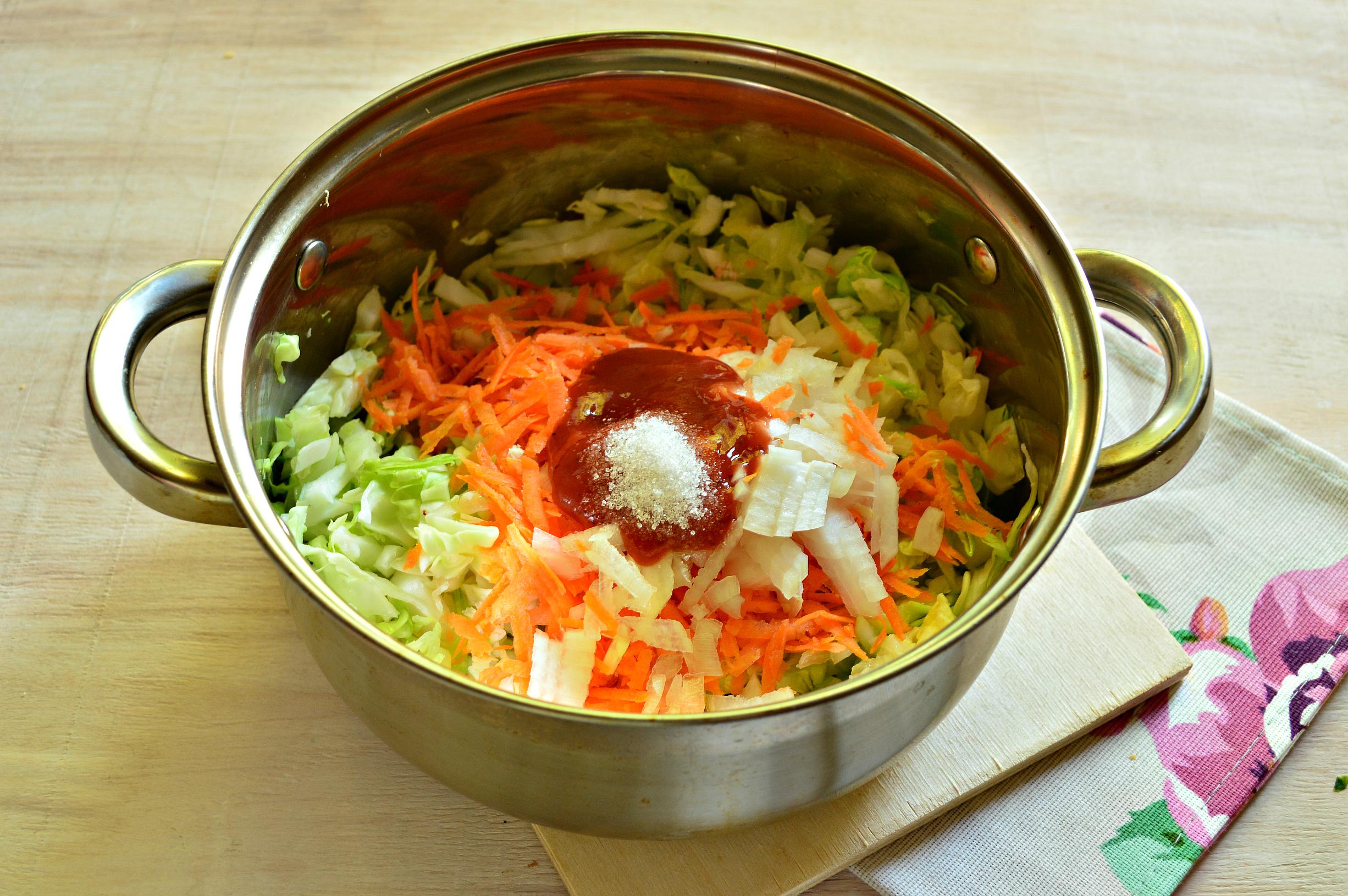 Рецепт солянки с сосисками фото пошагово