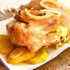 Цыпленок на картофельной «подушке»