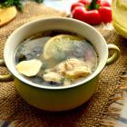 Европейский куриный суп с маслинами