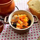 Горшочки с картофелем, капустой, куриным филе и маслинами