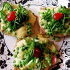 Горячие бутерброды с ветчиной и зеленым горошком
