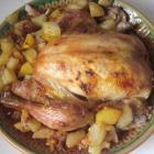 Курица, запеченная целиком в духовке с картофелем