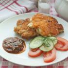 Оладьи из куриного филе с острым домашним соусом