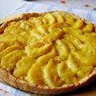 Открытый пирог с яблоками и сыром