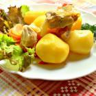 Овощное ассорти с курицей и молодым картофелем