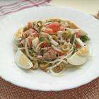 Салат из тунца с пряной заправкой