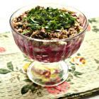 Слоеный салат из свеклы и рыбных консервов