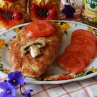 Свиная отбивная с начинкой из помидора и шампиньонов
