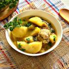 Тушеный картофель с курицей и овощами