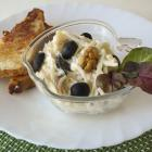 Уолдорфский салат с грецкими орехами