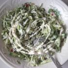 Весенний салат из пекинской капусты, огурцов и зелени