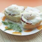 Яйца Бенедикт под голландским соусом