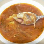 Борщ с фасолью и килькой в томате