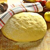«Быстрое» тесто для булочек и пирожков
