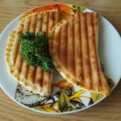 Чебуреки с грибами в сендвичнице