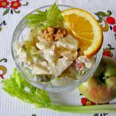 Фруктовый салат с сельдереем