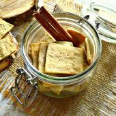 Галетное печенье с корицей