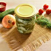 Огуречный салат с зеленью на зиму