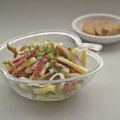 Острый швейцарский салат с сырокопченой колбасой и маринованными груздями