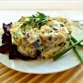 Рыбный салат с картофелем и яйцами