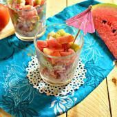 Салат-коктейль с арбузом