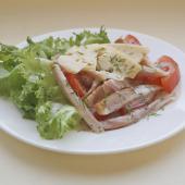 Салат из копченой курицы с маковой заправкой