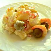 Салат с креветками и ананасами «Экзотический тандем»