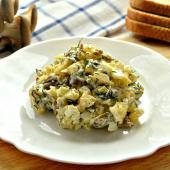 Салат с жареными грибами и корнишонами