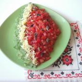 Салат в виде арбузной дольки
