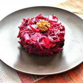 Свекольный салат с кизилом