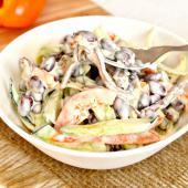 Сытный салат с говядиной и фасолью