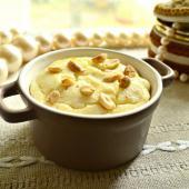Творожная запеканка с бананом и орешками