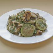 Японский кабачковый салат с мидиями