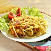 Запеканка из спагетти на сковороде