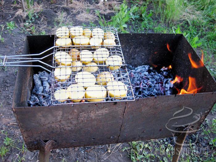 Картофель на решетке на мангале рецепты
