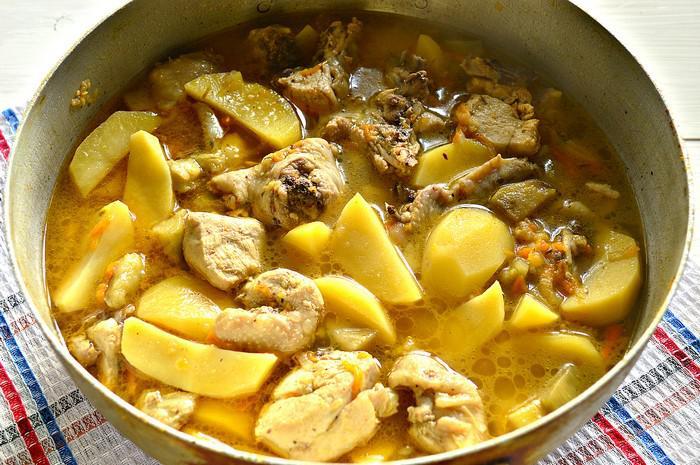 Картошка тушеная с куриной грудкой рецепт